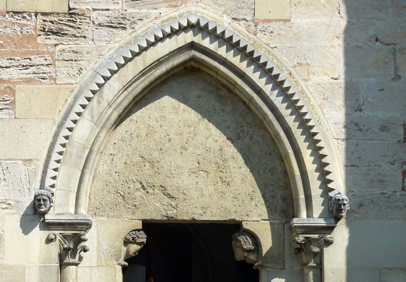Saint Jean Au Bois - Archiwolta Architektura u015bredniowiecza i staro u017cytno u015bci