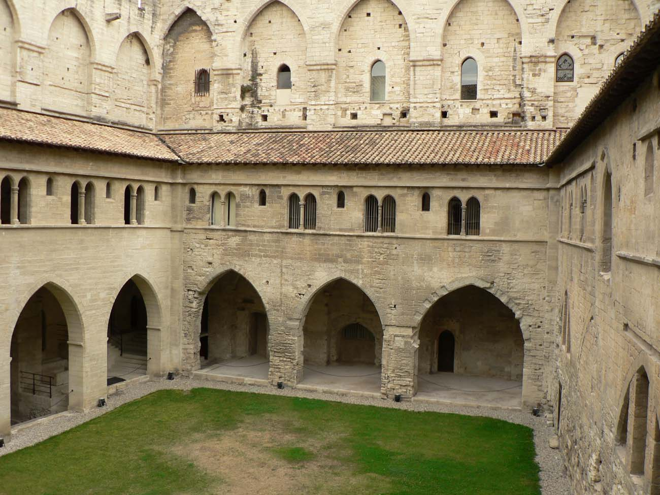 Cloisters garden (patio) - Ancient and medieval architecture
